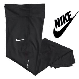 NWT/Nike Power Essential Running Crop Legging